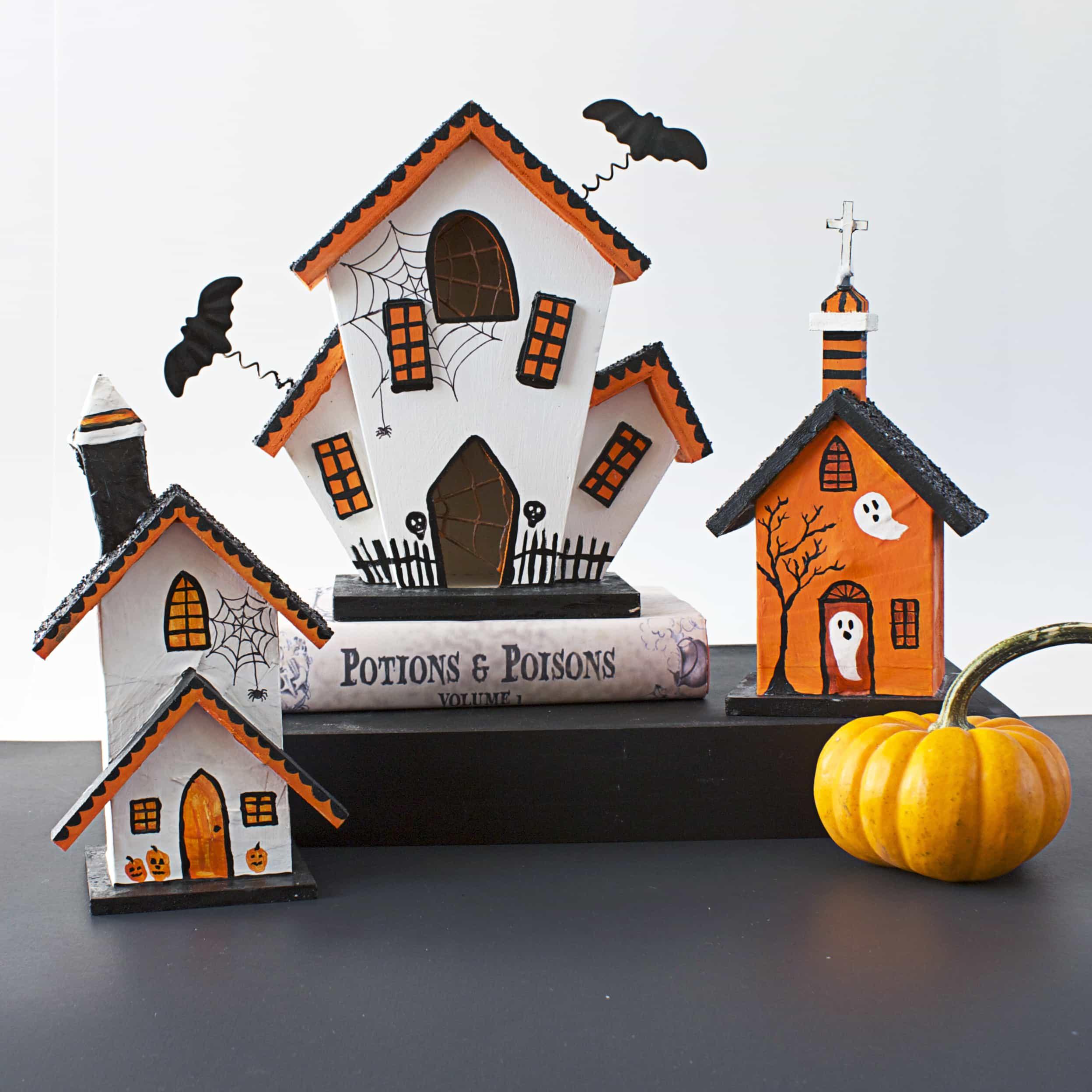 diy halloween haunted houses bugaboocity. Black Bedroom Furniture Sets. Home Design Ideas