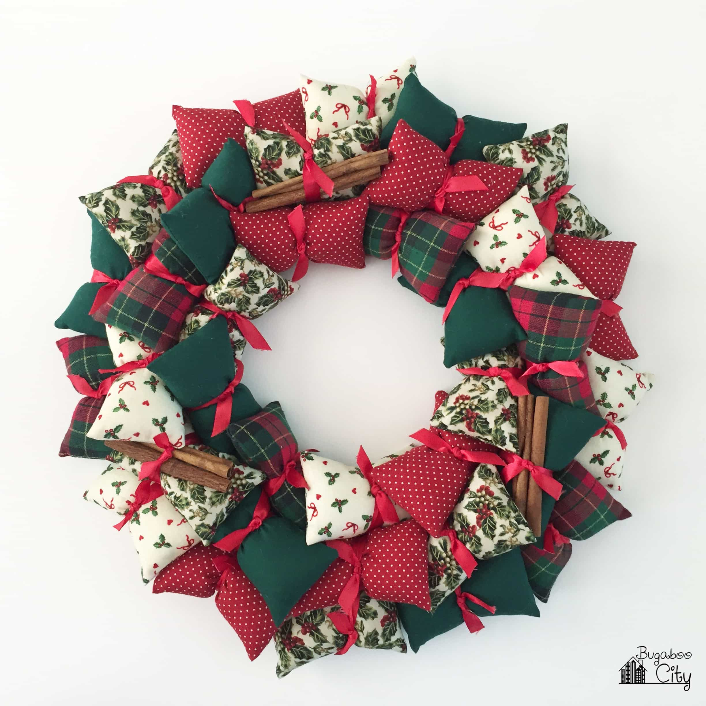 Diy Decorative Christmas Pillows : Holiday Pillow Wreath - BugabooCity